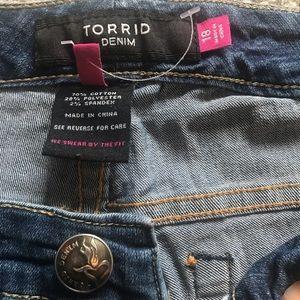 NWOT Torrid Dark Wash bootcut denim pants